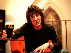 "UK ENGLAND LONDON 10DEC01 - Rolling Stone Ronnie Wood during portrait session promiting his new solo album, ""Not for Beginners""...jre/Photo by Jiri Rezac..© Jiri Rezac 2001..Contact: +44 (0) 7050 110 417.Mobile:  +44 (0) 7801 337 683.Office:  +44 (0) 20 8968 9635..Email:   jiri@jirirezac.com.Web:     www.jirirezac.com"