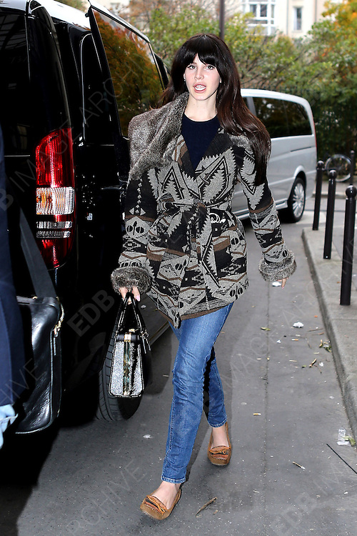 14.NOVEMBER.2012. PARIS<br /> <br /> AMERICAN SINGER LANA DEL REY IS SPOTTED LEAVING HER HOTELA AND HEADING TO A PHOTOSHOOT AT L'USINE IN PARIS, FRANCE<br /> <br /> BYLINE: EDBIMAGEARCHIVE.CO.UK<br /> <br /> *THIS IMAGE IS STRICTLY FOR UK NEWSPAPERS AND MAGAZINES ONLY*<br /> *FOR WORLD WIDE SALES AND WEB USE PLEASE CONTACT EDBIMAGEARCHIVE - 0208 954 5968*