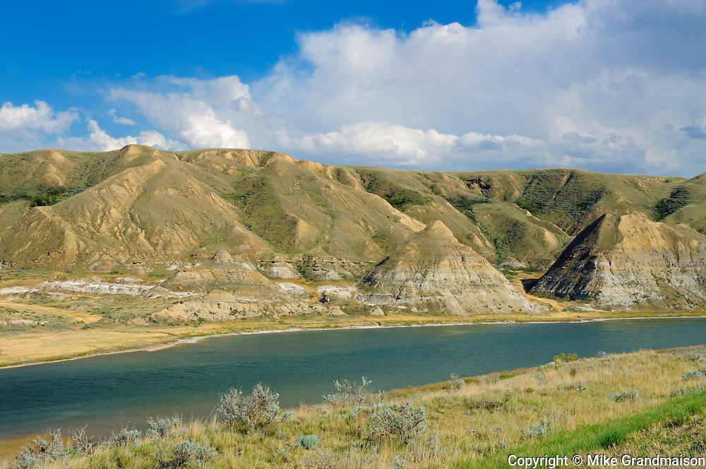 Badland formations along the Red Deer River<br /> near Empress<br /> Alberta<br /> Canada