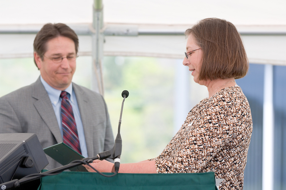 18210McBee Building Community Celebration: Diagnostic Hybrids: Graduation Ceremony & Lease signing.. Linda Clark,Director, Ohio University Innovation Center & Diagnostic Hybrids,CEO David Scholl