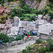 Bard (Bar in patois valdostano) è un comune italiano di 135 abitanti della Valle d'Aosta. Il comune dal 2012 fa parte del circuito dei borghi più belli d'Italia.<br /> <br /> Bard is an Italian town of 135 inhabitants of Valle d'Aosta. The municipality since 2012 is part of the circuit of the most beautiful villages in Italy.