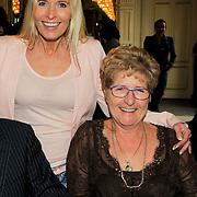 NLD/Amsterdam/20130306 - 1000ste concert Frans Bauer in Carre, Mariska Bauer- van Rossenberg met haar moeder