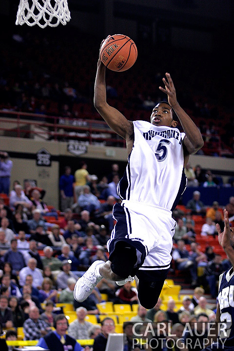 26 November 2005: MU freshman Whitney Coleman in the Monmouth University 54-62 loss to Oral Roberts University at the Great Alaska Shootout in Anchorage, Alaska