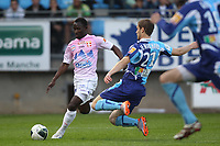 FOOTBALL - FRENCH CHAMPIONSHIP 2010/2011 - L2 - LE HAVRE AC v EVIAN TG - 22/04/2011 - PHOTO ERIC BRETAGNON / DPPI - OUMAR POUYE (EVIAN) / MAXIME LEMARCHAND (HAC)