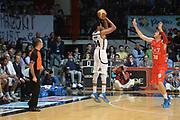 DESCRIZIONE : Caserta campionato serie A 2013/14 Pasta Reggia Caserta EA7 Olimpia Milano<br /> GIOCATORE : Carleton Scott <br /> CATEGORIA : tiro three points<br /> SQUADRA : Pasta reggia Caserta<br /> EVENTO : Campionato serie A 2013/14<br /> GARA : Pasta Reggia Caserta EA7 Olimpia Milano<br /> DATA : 27/10/2013<br /> SPORT : Pallacanestro <br /> AUTORE : Agenzia Ciamillo-Castoria/GiulioCiamillo<br /> Galleria : Lega Basket A 2013-2014  <br /> Fotonotizia : Caserta campionato serie A 2013/14 Pasta Reggia Caserta EA7 Olimpia Milano<br /> Predefinita :