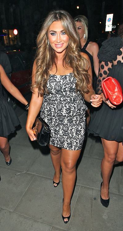 22.AUGUST.2012. LONDON<br /> <br /> LAUREN GOODGER LEAVING ROKA RESTAURANT IN MAYFAIR, LONDON.<br /> <br /> BYLINE: EDBIMAGEARCHIVE.CO.UK<br /> <br /> *THIS IMAGE IS STRICTLY FOR UK NEWSPAPERS AND MAGAZINES ONLY*<br /> *FOR WORLD WIDE SALES AND WEB USE PLEASE CONTACT EDBIMAGEARCHIVE - 0208 954 5968*