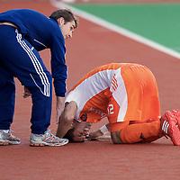 MELBOURNE - Champions Trophy men 2012<br /> Netherlands v Australia 0-0<br /> foto:  Robbert Kemperman verbijt de pijn aan zijn enkel.<br /> FFU PRESS AGENCY COPYRIGHT FRANK UIJLENBROEK