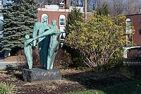 Statue Affinit&eacute;, Hans Schleeh<br /> <br /> Art Public, Parc du Mont-Royal, Montr&eacute;al, Qu&eacute;bec Canada