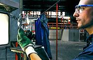 Glasfabriek van Durobor , Soignies, België. 1 juli 2010.