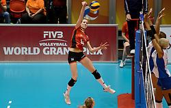 10-08-2014 NED: FIVB Grand Prix Belgie - Puerto Rico, Doetinchem<br /> Helene Rousseaux