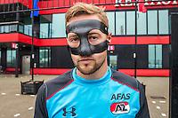 ALKMAAR - 27-07-2016, laatste training AZ voor Europese wedstrijd tegen Pas Giannina , AFAS Stadion, AZ speler Rens van Eijden met masker, gebroken neus.