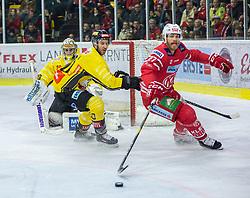 24.01.2020, Stadthalle, Klagenfurt, AUT, EBEL, EC KAC vs Vienna Capitals, 43. Runde, im Bild Bernhard STARKBAUM (SPUSU VIENNA CAPITALS, #29), Marc-Andè DORION (SPUSU VIENNA CAPITALS, #10), Thomas HUNDERTPFUND (EC KAC, #27) // during the Erste Bank Eishockey League 43th round match between EC KAC and Vienna Capitals at the Stadthalle in Klagenfurt, Austria on 2020/01/24. EXPA Pictures © 2020, PhotoCredit: EXPA/ Gert Steinthaler