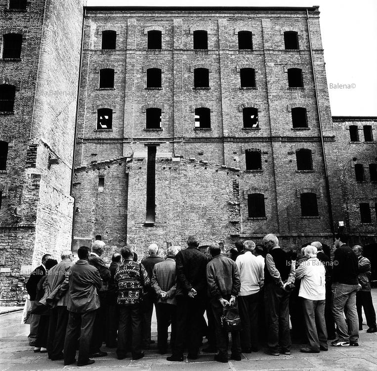 Italia, 2004, dal libro Ci resta il nome. Trieste, Risiera di San Sabba. arte, arts, cultura, culture, monument, monumento, sito storico, heritage site