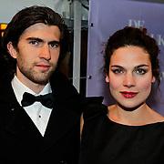 NLD/Amsterdam/20100412 - Premiere film de Gelukkige Huisvrouw, Anna Drijver en partner