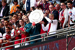 Petr Cech of Arsenal and Arsenal manager Arsene Wenger celebrate with the Community Shield - Mandatory by-line: Robbie Stephenson/JMP - 06/08/2017 - FOOTBALL - Wembley Stadium - London, England - Arsenal v Chelsea - FA Community Shield