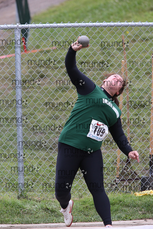 Brianna Quenneville of Belle River DHS - Belle River competes in the junior girls shot put at the 2013 OFSAA Track and Field Championship in Oshawa Ontario, Thursday,  June 6, 2013.<br /> Mundo Sport Images / Sean Burges