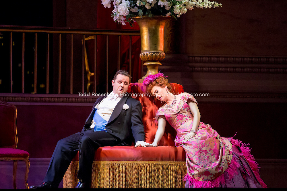 11/11/15 1:36:15 PM -- <br /> The Lyric Opera of Chicago Presents<br /> &quot;The Merry Widow&quot;<br /> Renee Fleming<br /> <br /> &copy; Todd Rosenberg Photography 2015