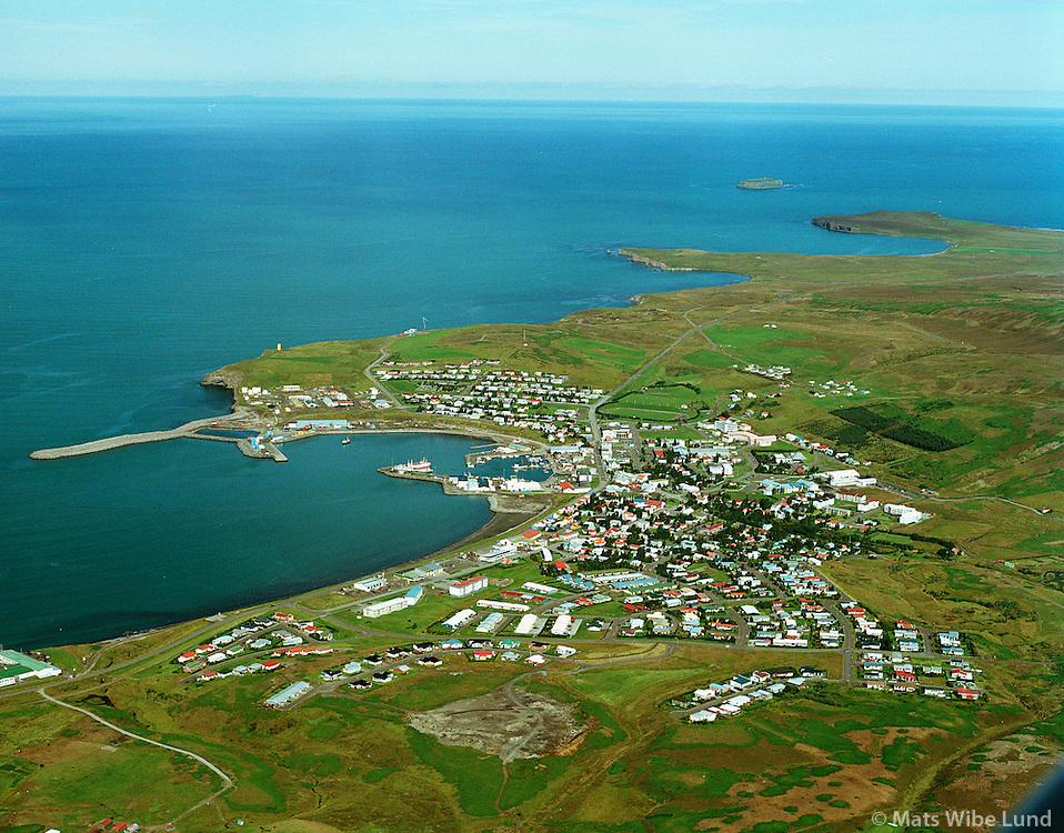 Húsavík, séð til norðurs að Héðinshöfða og Lundey...Husavik, viewing north to the future industrial building areas. Lundey island in background...                               Norðurþing / Nordurthing