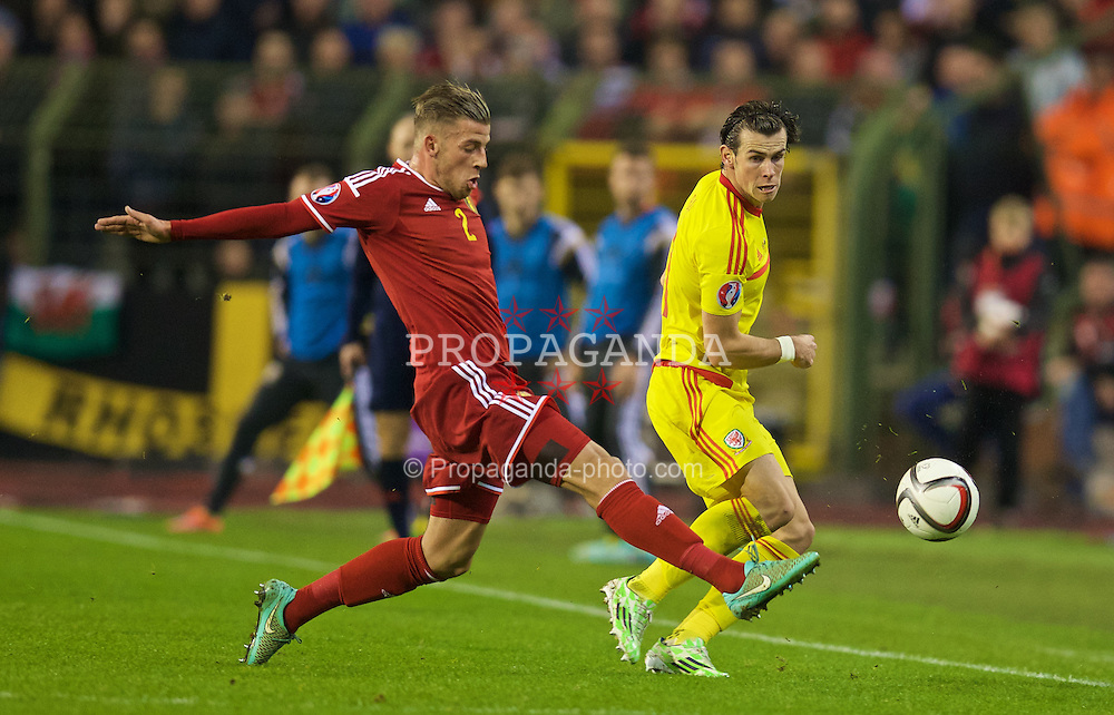 BRUSSELS, BELGIUM - Sunday, November 16, 2014: Wales' Gareth Bale in action against Belgium during the UEFA Euro 2016 Qualifying Group B game at the King Baudouin [Heysel] Stadium. (Pic by David Rawcliffe/Propaganda)