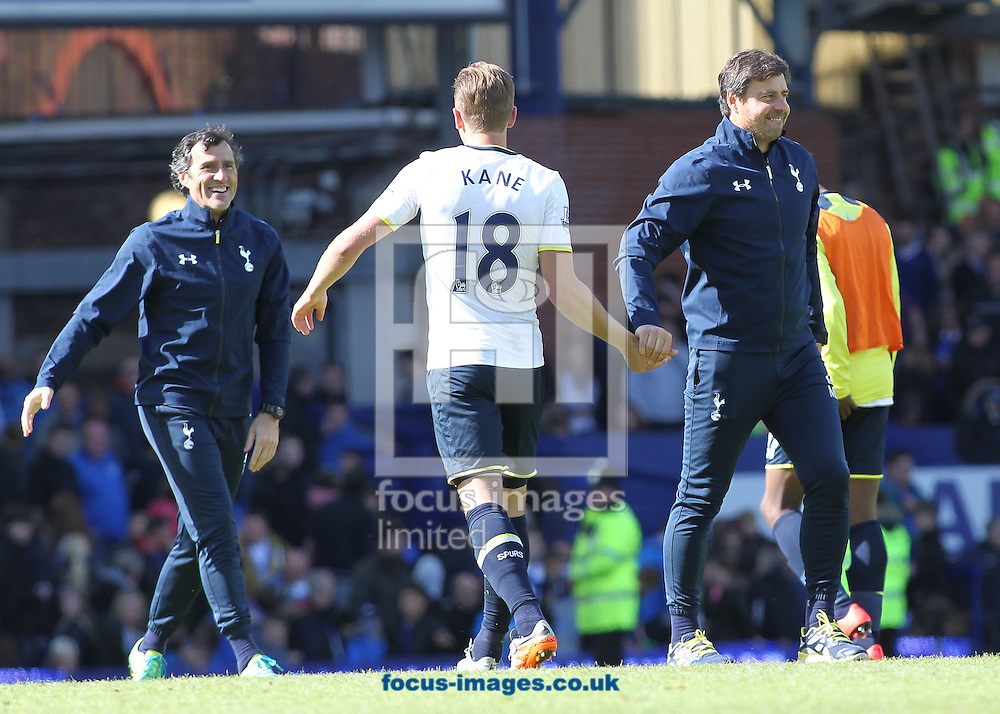 Mauricio Pochettino, manager of Tottenham Hotspur congratulates Harry Kane after the Barclays Premier League match against Everton at Goodison Park, Liverpool.<br /> Picture by Michael Sedgwick/Focus Images Ltd +44 7900 363072<br /> 24/05/2015