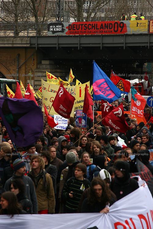 "With the slogan ""We will not pay your crisis"" about 30.000 people demonstrate in Berlin against the german crisis policy. Same time 25.000 people protested in Frankfurt, too, while several further europeans citys becomes the locations of additional social protests."