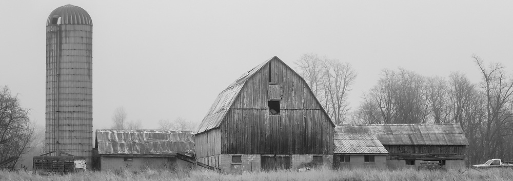 https://Duncan.co/farm-with-silo-black-and-white