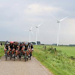03-09-2015: Wielrennen: Ladiestour: Tiel<br /> TIEL (NED) wielrennen<br /> De tweede etappe was rond Tiel en ging door de Betuwe