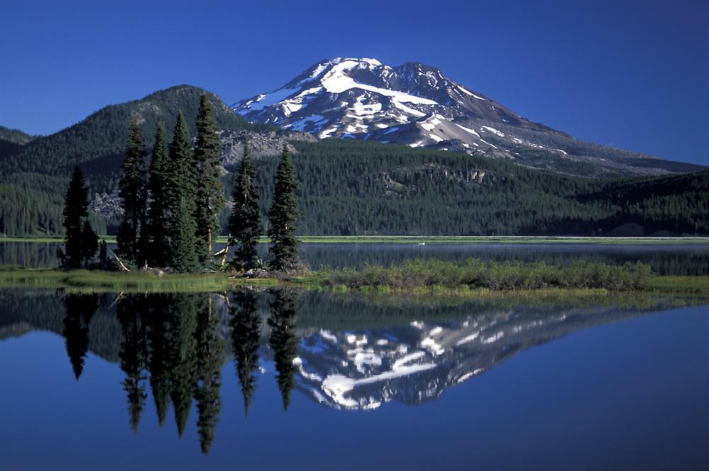 Sparks Lake and South Sister,Oregon,USA