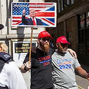 Manifestatione di protesta durante la visita di Trump a Londra: sostenoitori di Trump<br /> <br /> Demonstration against Trump during his visit to London: Trump's supporters.