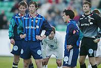 Fotball, 20. april 2002. Tippeligaen, Stabæk v Vålerenga Fotball 0-0. André Muri, Martin Andresen, Jon Knudsen, Stabæk, og Petter Belsvik, Vålerenga.
