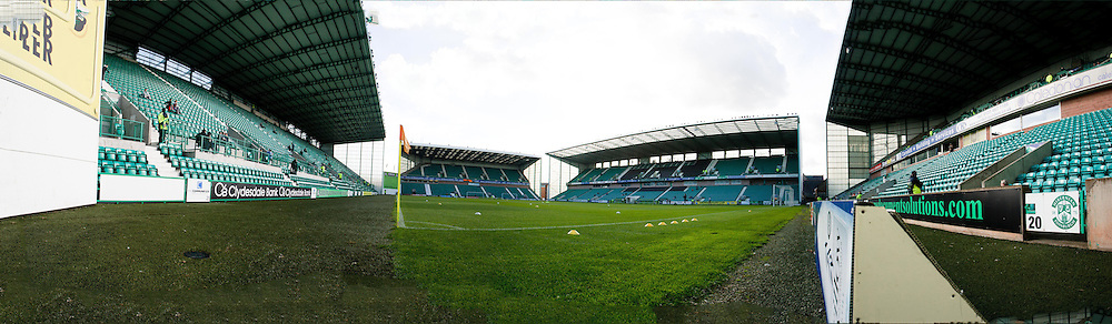 Panoramic view of Easter Road - Hibs v Dundee in the Clydesdale Bank Scottish Premier League at Easter Road.. - © David Young - 5 Foundry Place - Monifieth - DD5 4BB - Telephone 07765 252616 - email: davidyoungphoto@gmail.com - web: www.davidyoungphoto.co.uk