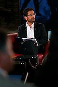 """Fathi Derder, ancien rédacteur en chef de """"La Télé"""", a longtemps collaboré à la Radio Suisse Romande (RSR), entre autre comme rédacteur en chef adjoint de la rédaction. Il s'est notamment fait connaître du grand public en présentant le Journal du Matin sur La Première. © Romano P. Riedo"""