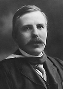 Ernest RUTHERFORD (1871-1937) New Zealand atomic physicist, Nobel prize for chemistry 1908.