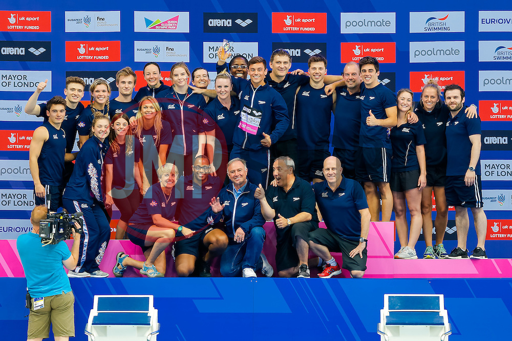 The 2016 LEN Championships Trophy for Diving is presented to Great Britain after they top the Medal Table with 10 in total (3 Gold, 4 Silver and 3 Bronze) - Mandatory byline: Rogan Thomson/JMP - 15/05/2016 - DIVING - London Aquatics Centre - Stratford, London, England - LEN European Aquatics Championships 2016 Day 7.