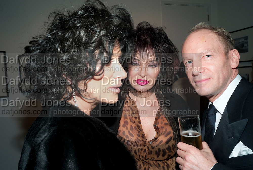 NANCY DELL D'OLIO; CHERYL HOWARD; ROBERT NEWMARK; , Out Of Context - private view of photographs by Lorraine Goddard. Getty Images Gallery, 46 Eastcastle Street. Afterwards at the Sanderson Hotel. 21 January 2010