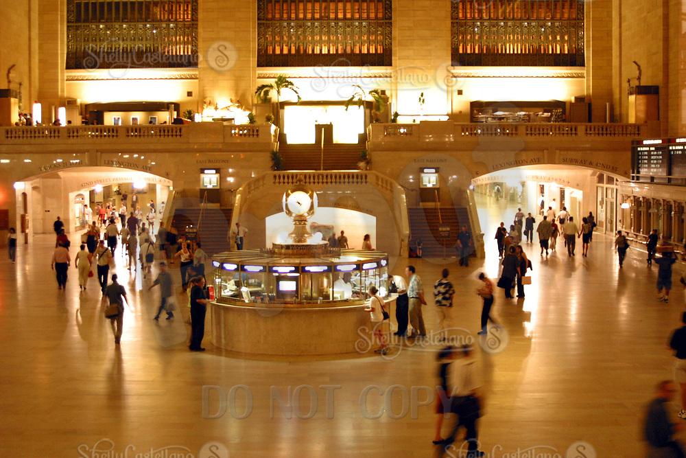 Aug 16, 2002; New York, NY, USA; People moving through grand central station.  New York subway and train stations main station. Mandatory Credit: Photo by Shelly Castellano/ZUMA Press. (©) Copyright 2002 by Shelly Castellano