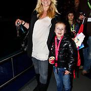NLD/Harderwijk/20100320 - Opening nieuwe Dolfinarium seizoen met nieuwe show, Sita Vermeulen en dochter