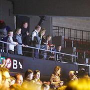 BEL/Brussel/20121223 - Belgische premiere musical Peter Pan, Prins Filip van Belgie, partner Mathilde d'Udekem d'Acoz en kinderen