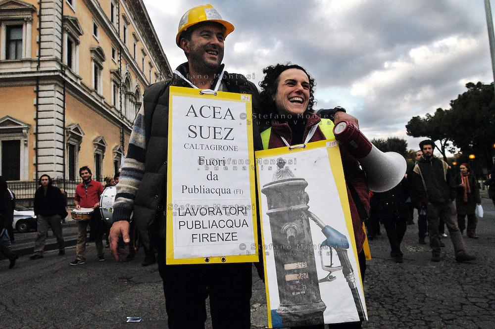 Roma 1 Dicembre 2007.Manifestazione Nazionale contro la privatizzazione dell'acqua..Rome December 1, 2007.National Demonstration against water privatization