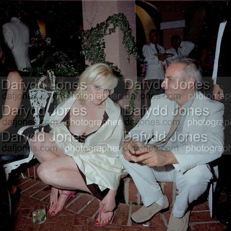 Sophie Dahl. Miramax post Oscar party. Beverley Hills Hotel. 26 March 2000. © Copyright Photograph by Dafydd Jones 66 Stockwell Park Rd. London SW9 0DA Tel 020 7733 0108 www.dafjones.com