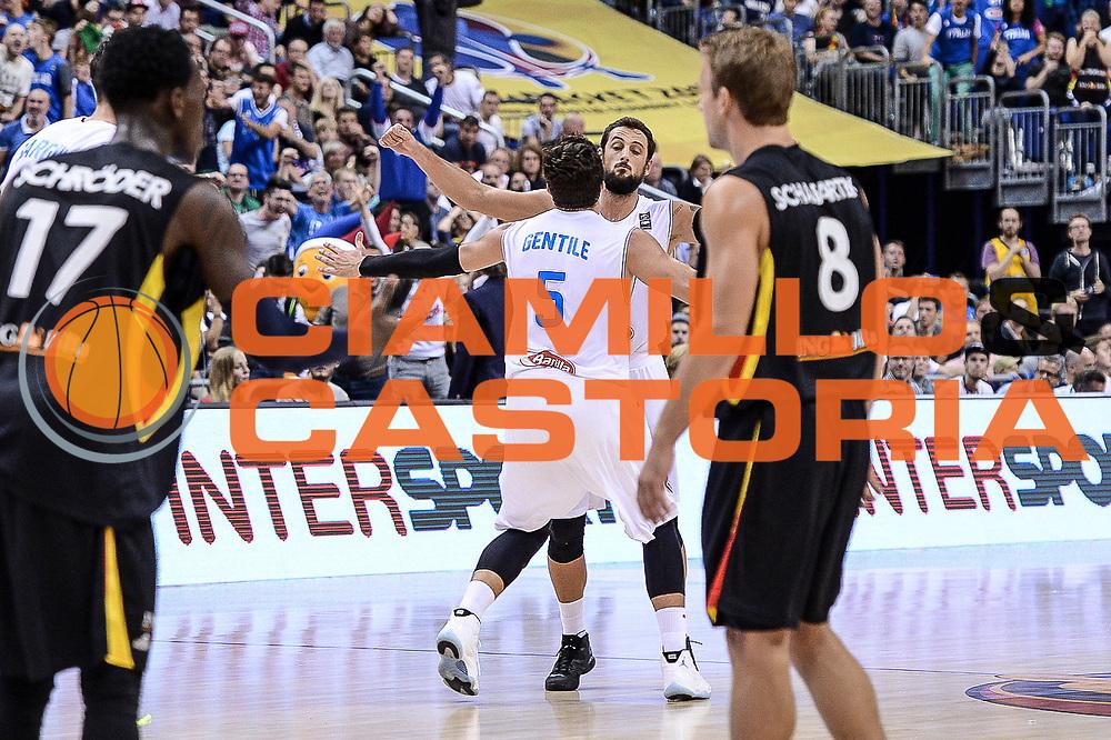 DESCRIZIONE : Berlino Berlin Eurobasket 2015 Group B Germany Germania - Italia Italy<br /> GIOCATORE : Alessandro Gentile Marco Bellinelli<br /> CATEGORIA : Ritratto Esultanza<br /> SQUADRA : Italia Italy<br /> EVENTO : Eurobasket 2015 Group B<br /> GARA : Germany Italy - Germania Italia<br /> DATA : 09/09/2015<br /> SPORT : Pallacanestro<br /> AUTORE : Agenzia Ciamillo-Castoria/M.Longo