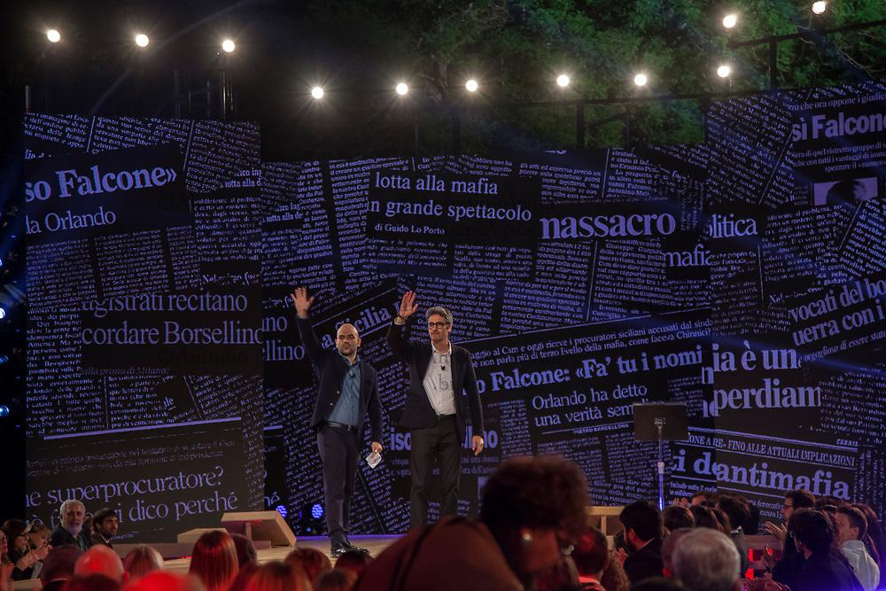 Roberto Saviano e Fabio Fazio salutano al termine della diretta Rai da via D'Amelio a Palermo.