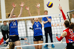 20170430 NED: Eredivisie, VC Sneek - Sliedrecht Sport: Sneek<br />Carlijn Ghijssen - Jans (10) of Sliedrecht Sport, Esther van Berkel (9) of Sliedrecht Sport <br />©2017-FotoHoogendoorn.nl / Pim Waslander