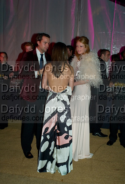 CHARLIE GILKES; PIPPA MIDDLETON; OLIVIA INGE, End Of Summer Ball In Berkeley Square. In aid of Prince;s Trust. Berkeley Square, London. 25 September 2008 *** Local Caption *** -DO NOT ARCHIVE-© Copyright Photograph by Dafydd Jones. 248 Clapham Rd. London SW9 0PZ. Tel 0207 820 0771. www.dafjones.com.