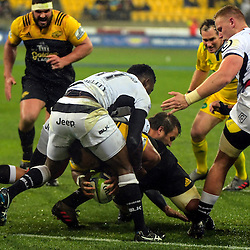 Loni Uhila scores during the Super Rugby quarterfinal match between the Hurricanes and Sharks at Westpac Stadium, Wellington, New Zealand on Saturday, 23 July 2016. Photo: Dave Lintott / lintottphoto.co.nz