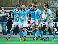 ALMERE - Hockey - Hoofdklasse competitie heren. ALMERE-HGC (0-1) .  Jorrit Croon (HGC) heeft gescoord (0-1).   links Steijn van Heijningen (HGC), Dick Mohlmann (HGC), rechts Nicholas Budgeon (HGC) ,  COPYRIGHT KOEN SUYK