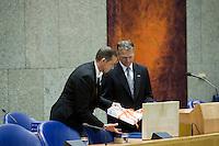 Nederland. Den Haag, 16 september 2008.<br /> Prinsjesdag.<br /> Minister Bos tijdens de overhandiging van de rijksbegroting in de Tweede kamer. Wouter Bos.<br /> Foto Martijn Beekman<br /> NIET VOOR PUBLIKATIE IN LANDELIJKE DAGBLADEN.