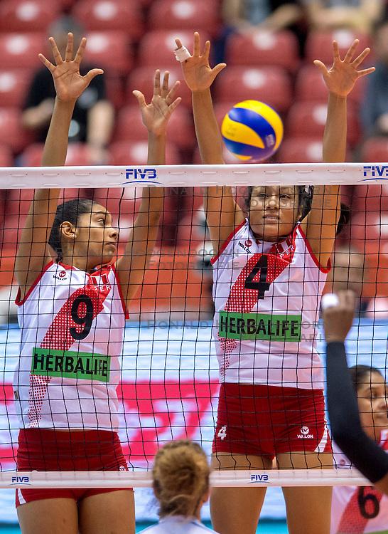 18-05-2016 JAP: OKT Peru - Italie, Tokio<br /> Itali&euml; verslaat Peru met 3-0 / Katherine Regalado #9 of Peru, Alexandra Machado #4 of Peru