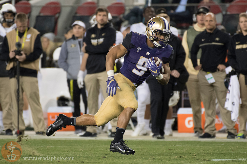 December 2, 2016; Santa Clara, CA, USA; Washington Huskies running back Myles Gaskin (9) during the third quarter in the Pac-12 championship against the Colorado Buffaloes at Levi's Stadium. The Huskies defeated the Buffaloes 41-10.