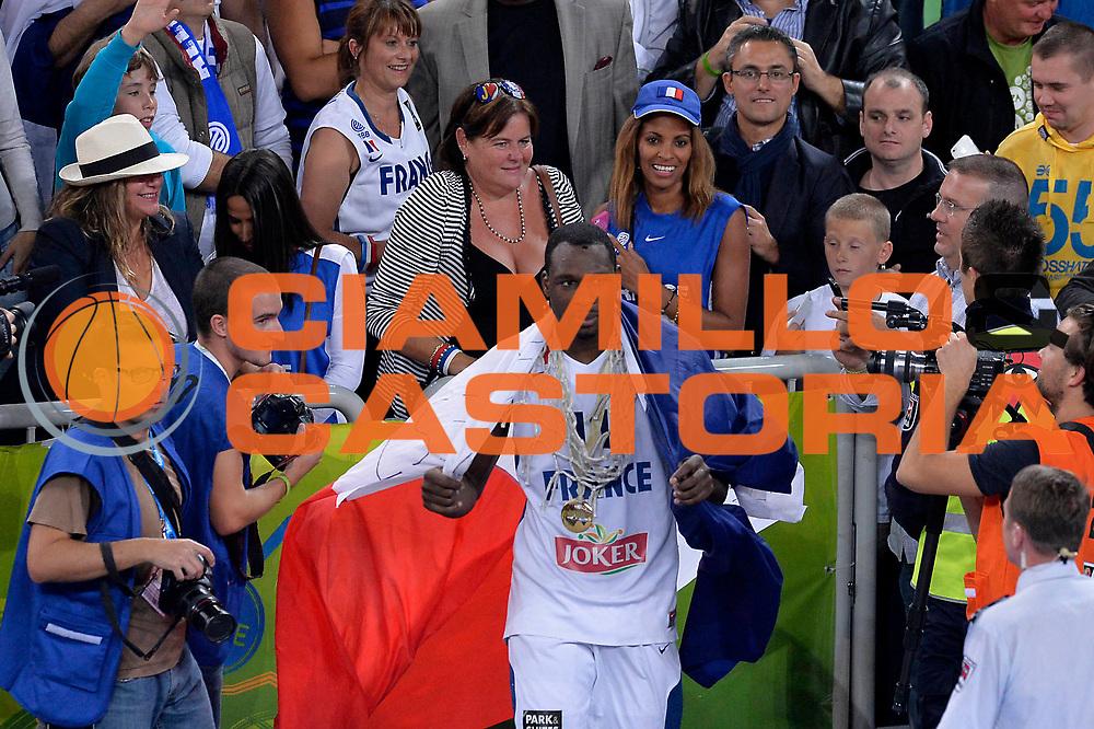 DESCRIZIONE : Lubiana Ljubliana Slovenia Eurobasket Men 2013 Finale Final Francia France Lituania Lithuania<br /> GIOCATORE : Florent Pietrus<br /> CATEGORIA : esultanza jubilation<br /> SQUADRA : Francia France<br /> EVENTO : Eurobasket Men 2013<br /> GARA : Francia France Lituania Lithuania<br /> DATA : 22/09/2013 <br /> SPORT : Pallacanestro <br /> AUTORE : Agenzia Ciamillo-Castoria/C.De Massis<br /> Galleria : Eurobasket Men 2013<br /> Fotonotizia : Lubiana Ljubliana Slovenia Eurobasket Men 2013 Finale Final Francia France Lituania Lithuania<br /> Predefinita :